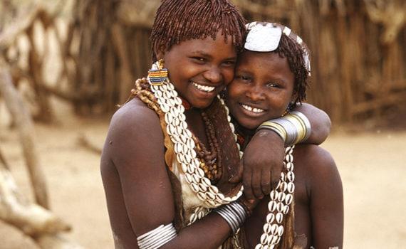 Tawfiq El-Sawy ©, Sisters, Hamer Tribe (Corcho, Omo Valley, South Ethiopia), 2003