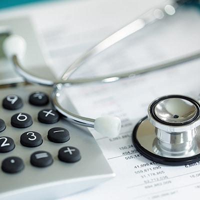 涵蓋癌症、心臟病發作及中風的所有合資格治療費用。