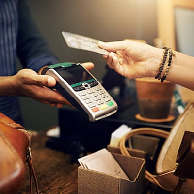 making payment with credit card in foreign accessories store